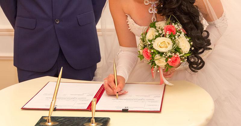 làm giả giấy đăng ký kết hôn